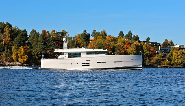 Shockwave Charter Yacht