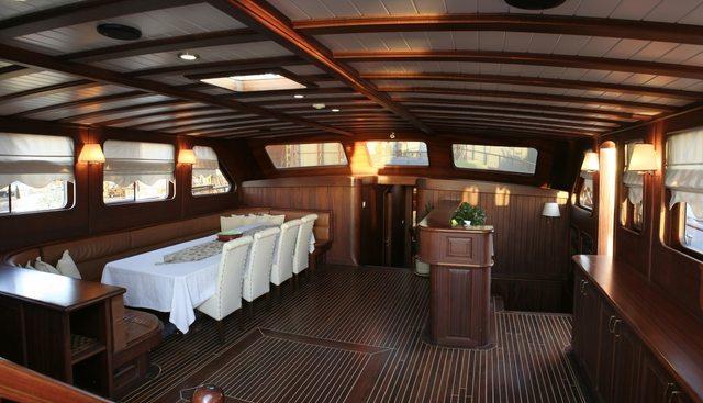 Palmyra Charter Yacht - 5