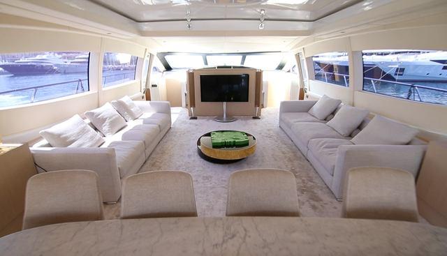 Neoprene Charter Yacht - 8