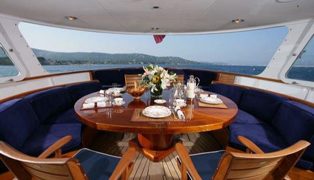 Secret Life Charter Yacht - 4