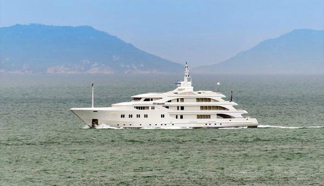 Toy Heaven Charter Yacht - 3