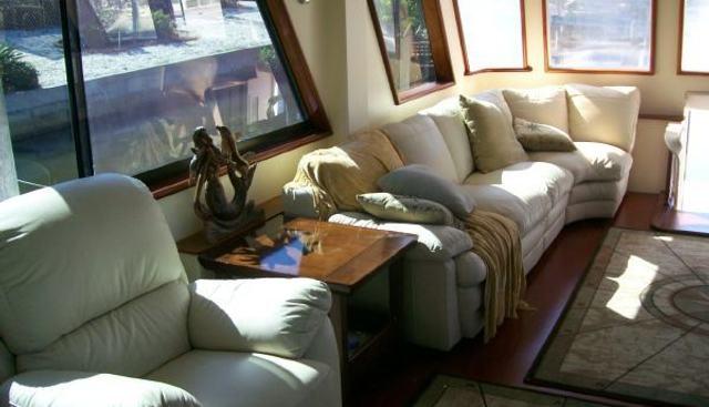 Hatteras 77 Charter Yacht - 3
