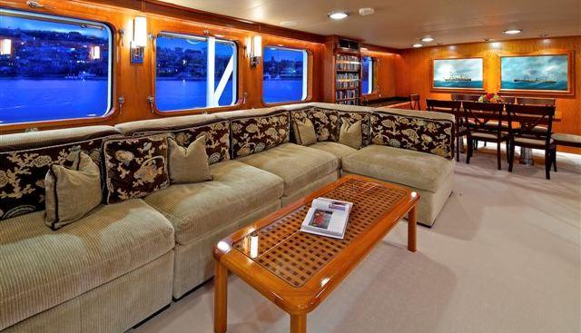 Beija Flor Charter Yacht - 4