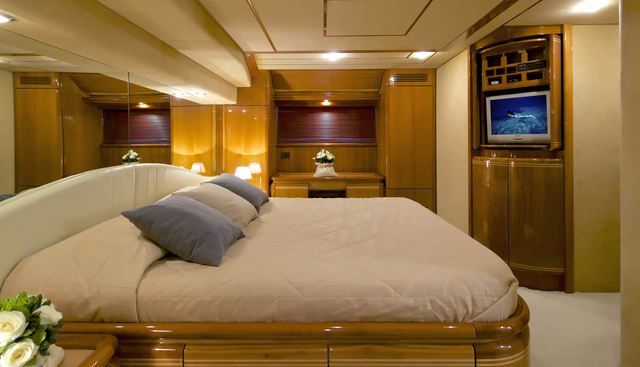 Geepee Charter Yacht - 8