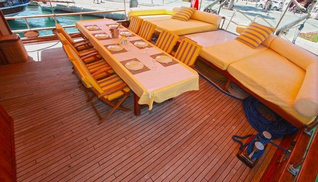 White Swan Charter Yacht - 4