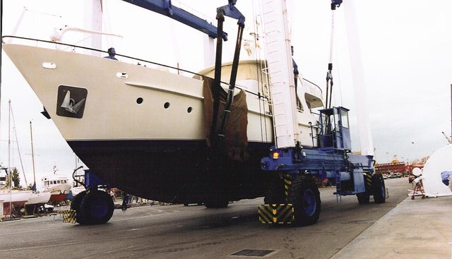 Greek Tycoon V Charter Yacht - 3