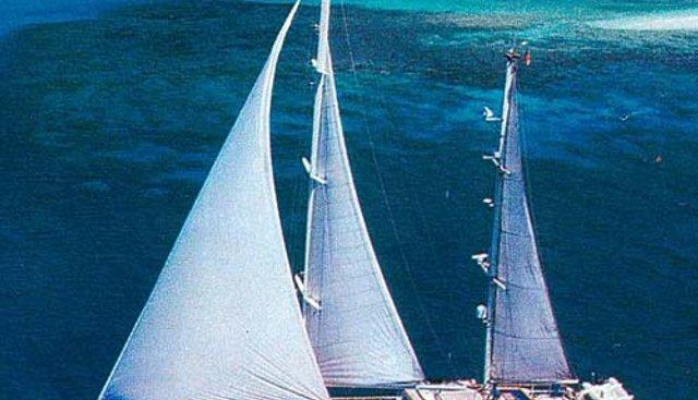 Naviga Charter Yacht