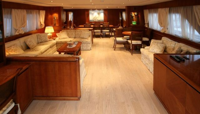 L'Instant IV Charter Yacht - 4