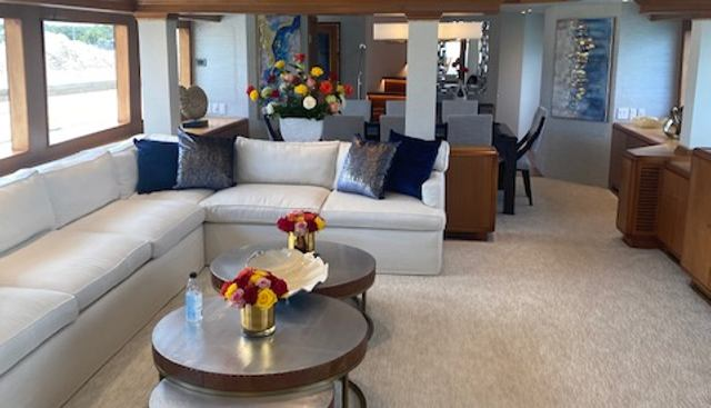 Too Shallow Charter Yacht - 4
