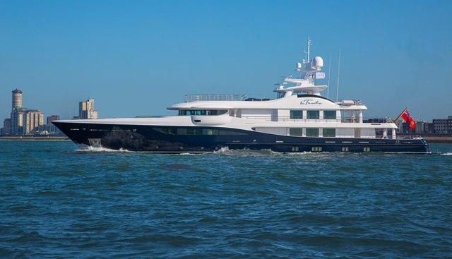 La Familia Charter Yacht - 6