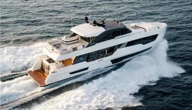 Ocean Alexander 90R03 Charter Yacht