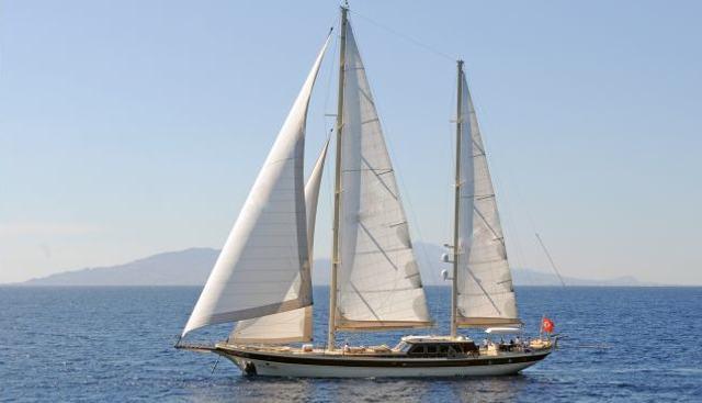 Vivien Charter Yacht