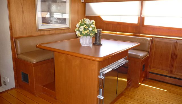 Elegante Charter Yacht - 4