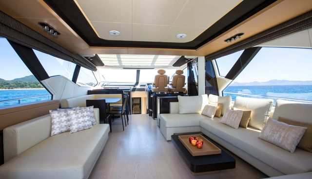 Toffee Crisp Charter Yacht - 6