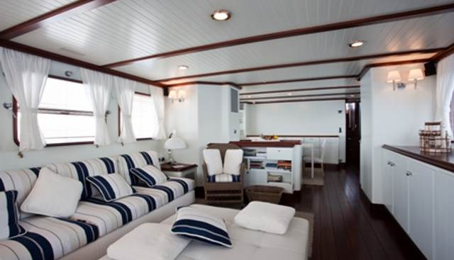 Persuader Charter Yacht - 8