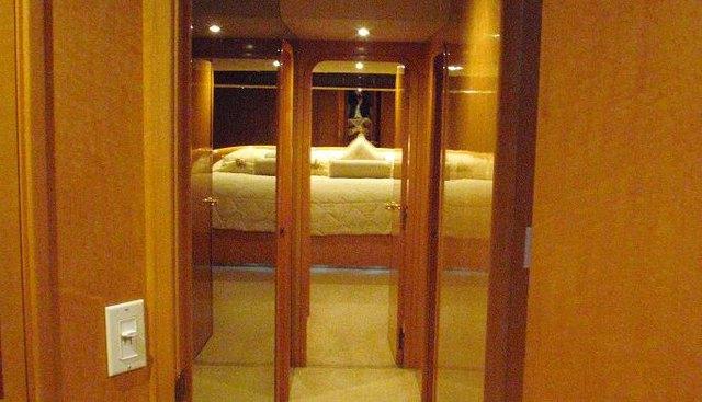 Poor Richard Charter Yacht - 8