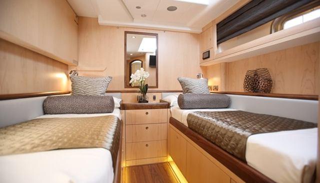 Raven Charter Yacht - 8