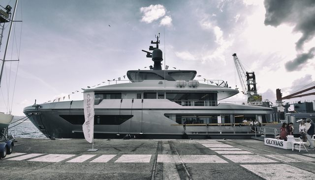 Globas Charter Yacht
