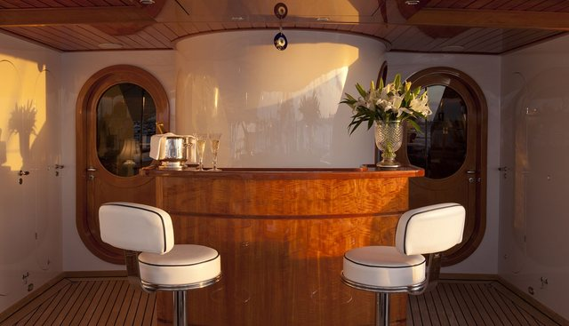 The Aquarius Charter Yacht - 5
