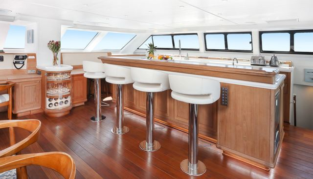 Skimmer Charter Yacht - 7