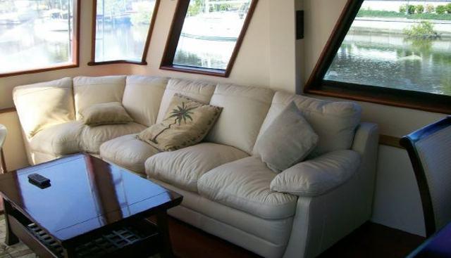 Hatteras 77 Charter Yacht - 4