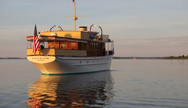 Enticer Charter Yacht - 2
