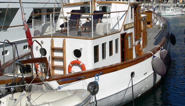 Nadrea Charter Yacht