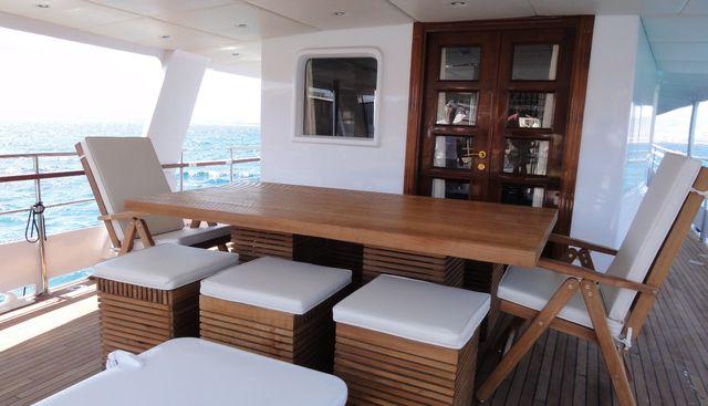Black Pepper Charter Yacht - 4