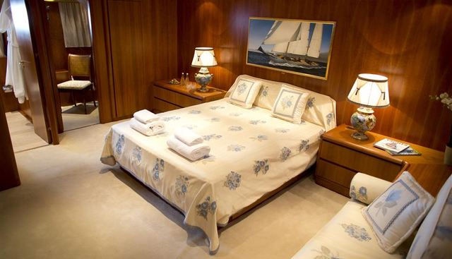 L'Instant IV Charter Yacht - 7