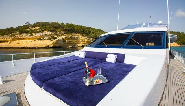 Ace Six Charter Yacht - 3