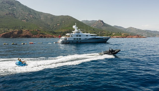 April Charter Yacht - 5