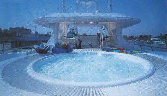 Kisses Charter Yacht - 3
