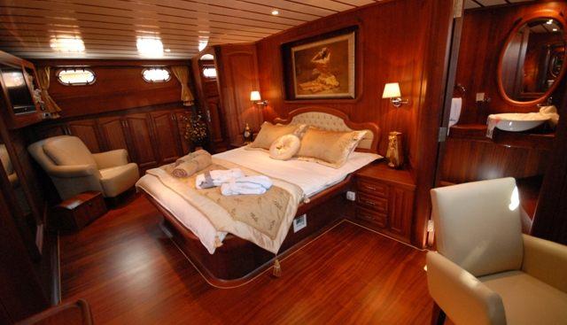 Bedia Sultan Charter Yacht - 5