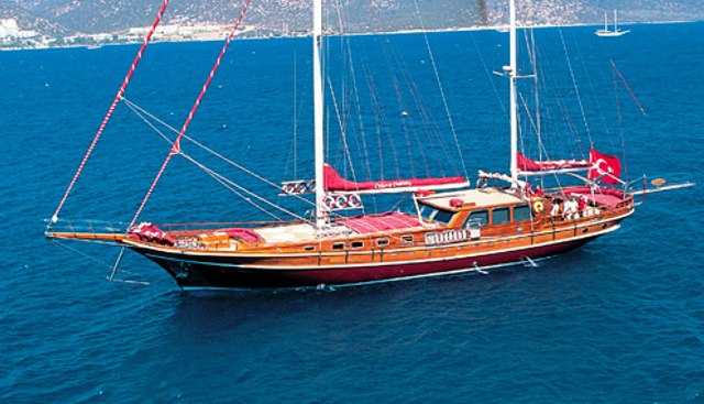 Cobra Queen Charter Yacht - 2