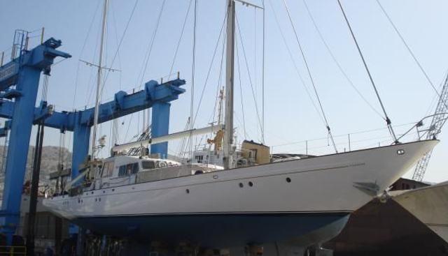 Lamadine Charter Yacht