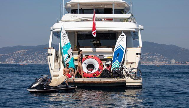 Best Off Charter Yacht - 5
