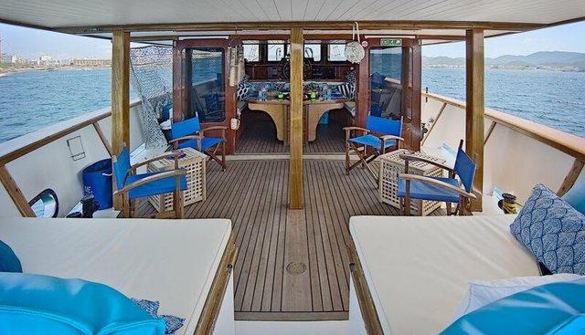 Truelove Charter Yacht - 4