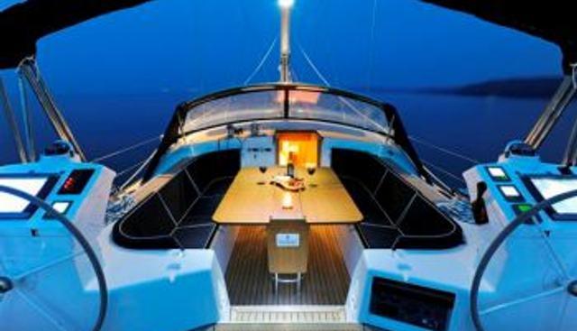 Tilly Mint Charter Yacht - 3