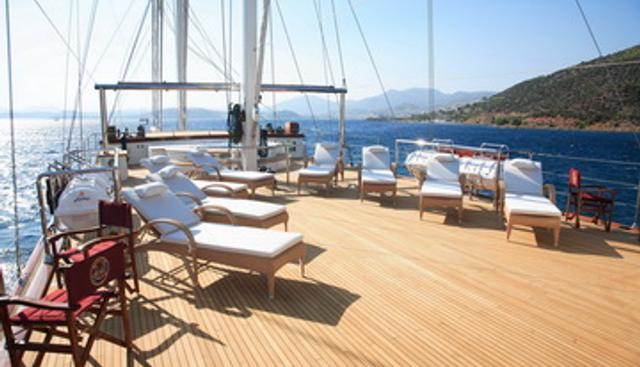 The Langley Charter Yacht - 4