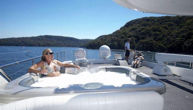 Hillsy Charter Yacht - 3