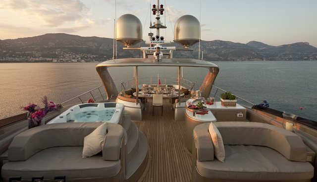 Soiree Charter Yacht - 3