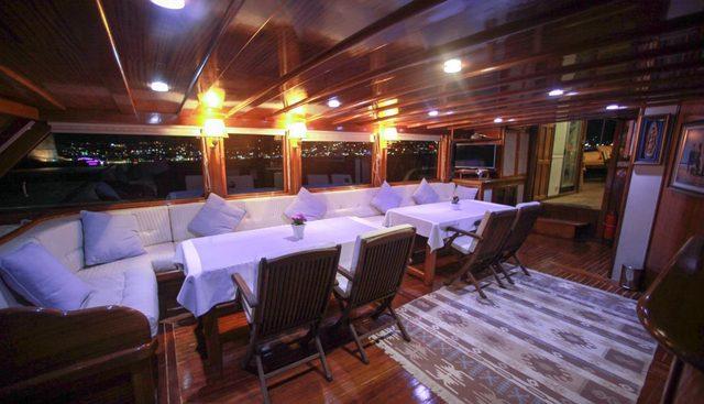 White Swan Charter Yacht - 7