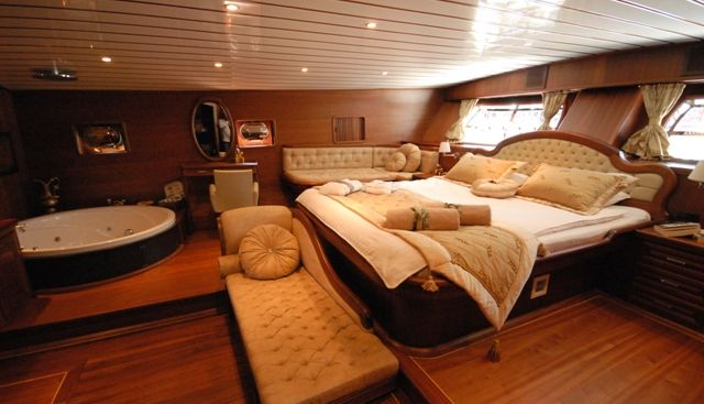 Bedia Sultan Charter Yacht - 4