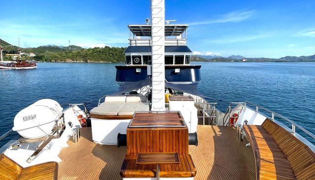 Grand Maloekoe Charter Yacht - 2