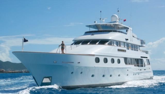 Queen D Charter Yacht - 3