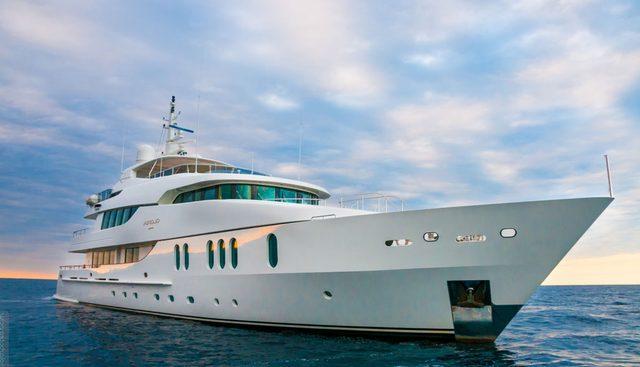 Gloria Teresa Charter Yacht