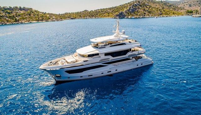 Kando Charter Yacht