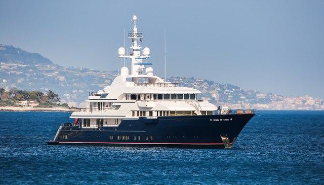 Hampshire II Charter Yacht - 2