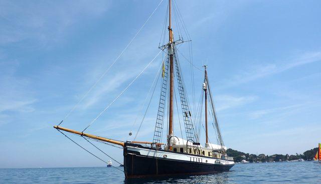 Le Rosa Charter Yacht