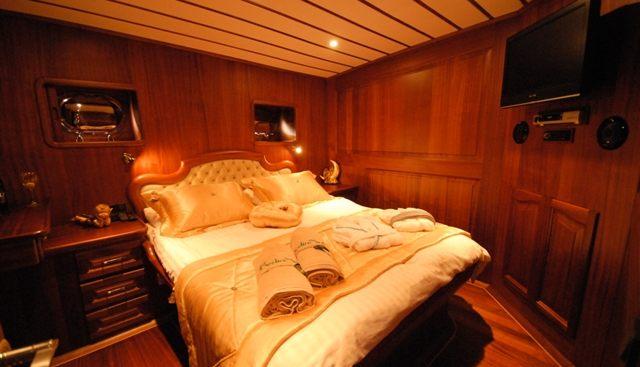 Bedia Sultan Charter Yacht - 6